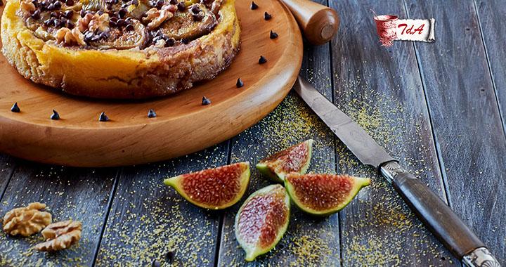 Torta di polenta, fichi, noci e cioccolato